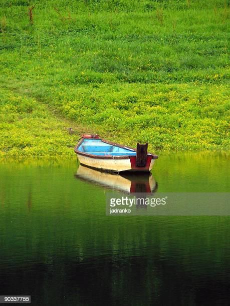 boat - rio kupa - fotografias e filmes do acervo