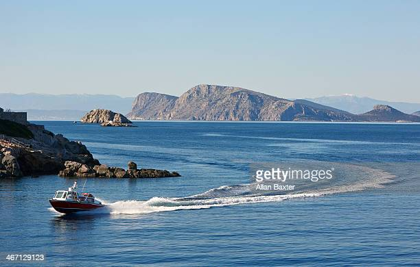 boat racing through the islands of the saronic gul - hydra greece photos stock pictures, royalty-free photos & images