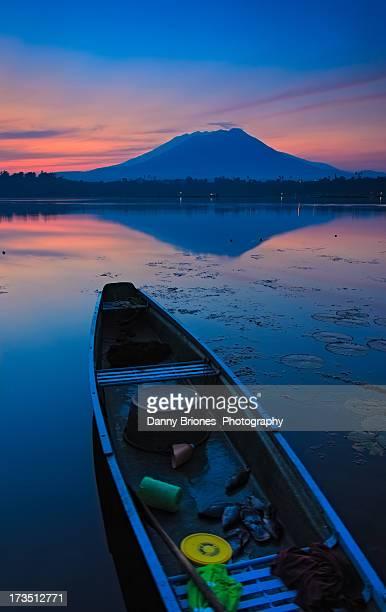 boat - sunrise - landscape - たらい ストックフォトと画像