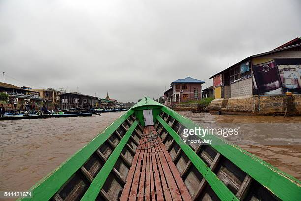 boat trip nyaung shwe inle lake province myanmar - unmissable stock pictures, royalty-free photos & images