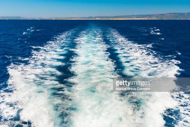 boat wake - heck stock-fotos und bilder