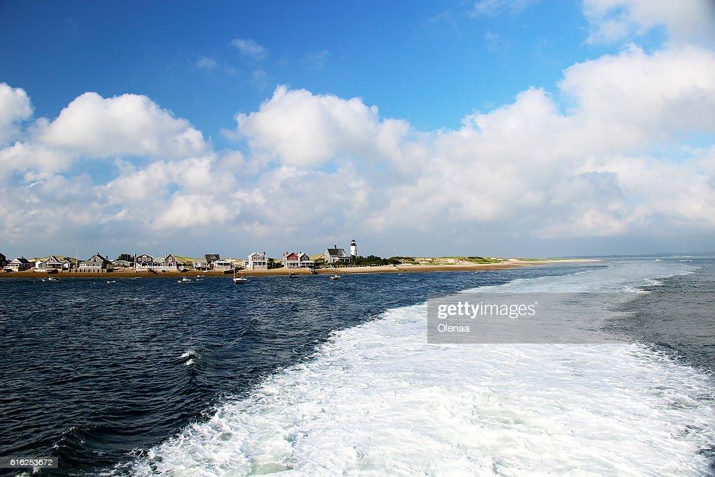 Boat wave on the blue ocean : Foto de stock