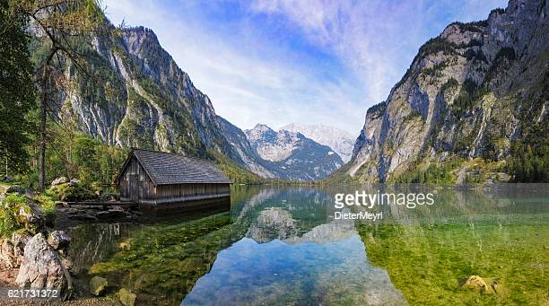 boathouse on obersee near königssee in nationalpark berchtesgaden - naturwunder stock-fotos und bilder