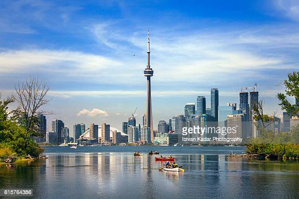 boating in lake ontario, toronto, canada - cn tower stock pictures, royalty-free photos & images