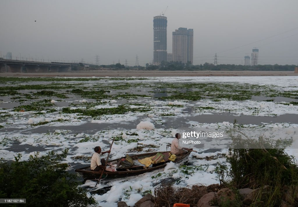 Yamuna River Pollution In New Delhi : News Photo