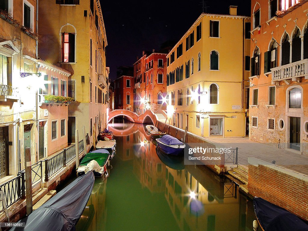 Boats in canal : Stock-Foto