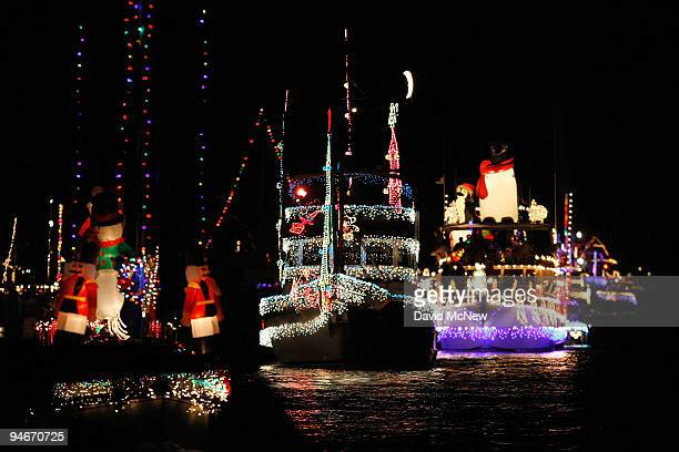Christmas Boat Decorations.World S Best Boats And Yachts Take Part In The Newport Beach