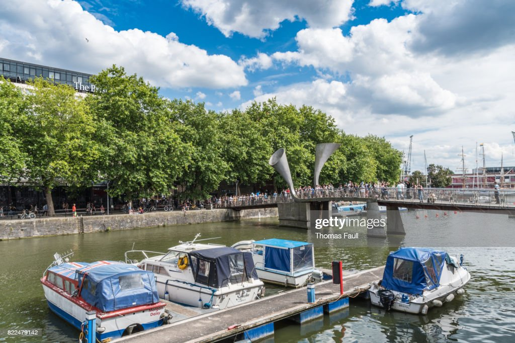 Boats moored up by Pero's Bridge in Bristol : Stock Photo