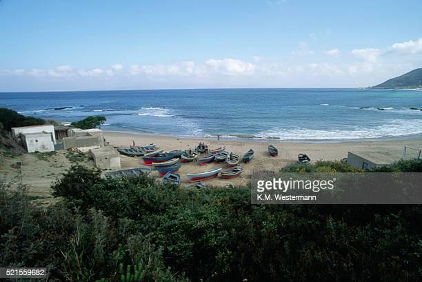 boats on beach, ceuta - ceuta fotografías e imágenes de stock
