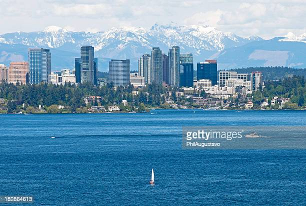 boats on lake and city - washington state stock pictures, royalty-free photos & images