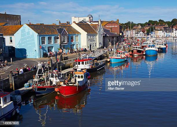 boats on the river wey in weymouth - weymouth dorset stock pictures, royalty-free photos & images