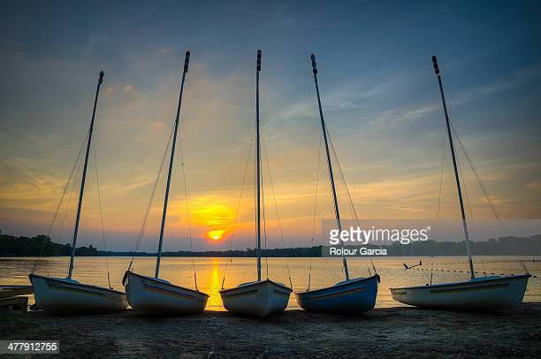 5 boats - rolour garcia stock pictures, royalty-free photos & images