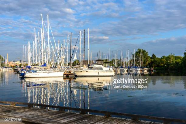 boats reflections - dimitrov - fotografias e filmes do acervo