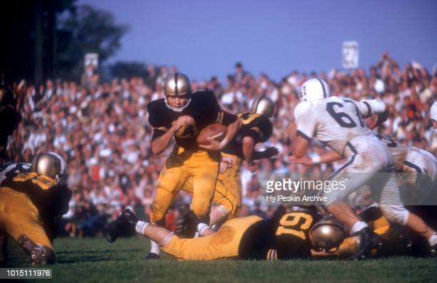 Bob Anderson of the Army Cadets runs with the ball during an NCAA game against the Penn State Nittany Lions on October 4 1958 at Michie Stadium in...