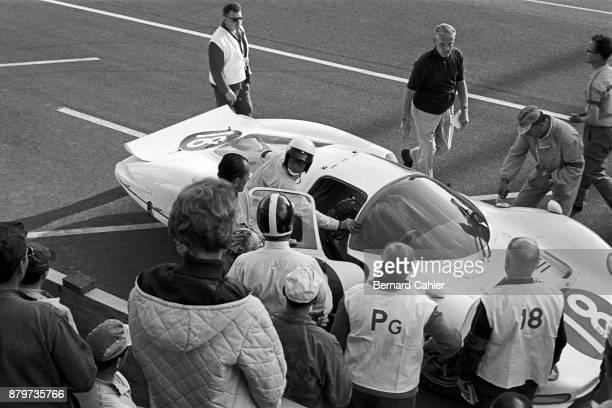 Bob Bondurant Masten Gregory Ferrari 365P2 24 Hours of Le Mans Le Mans 19 June 1966
