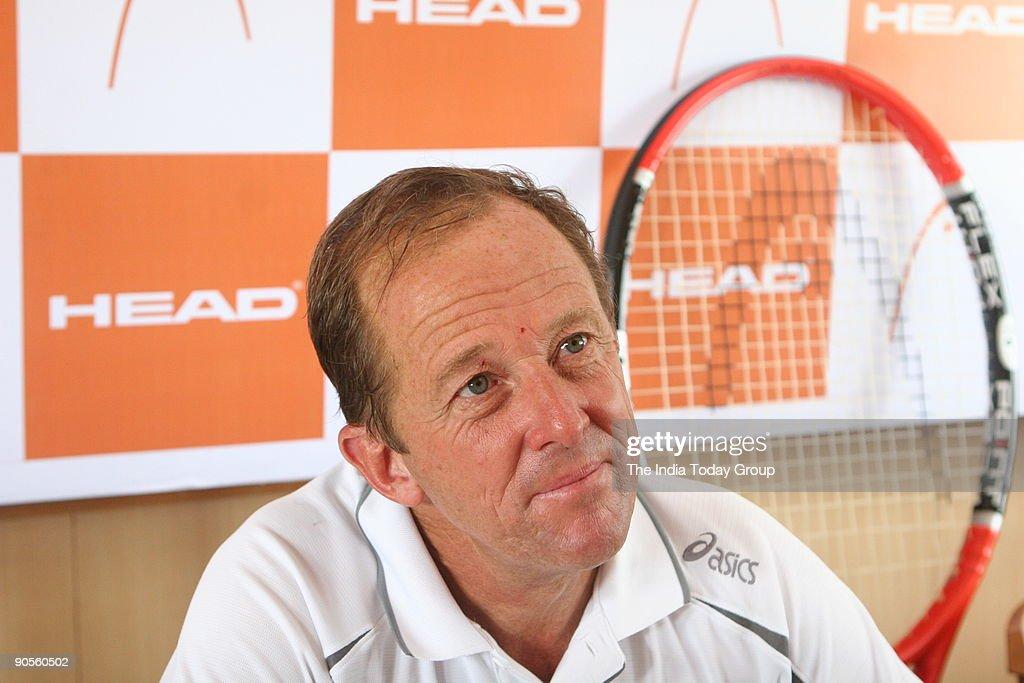 Bob Brett, tennis coach of Japan Davis Cup Team. : News Photo