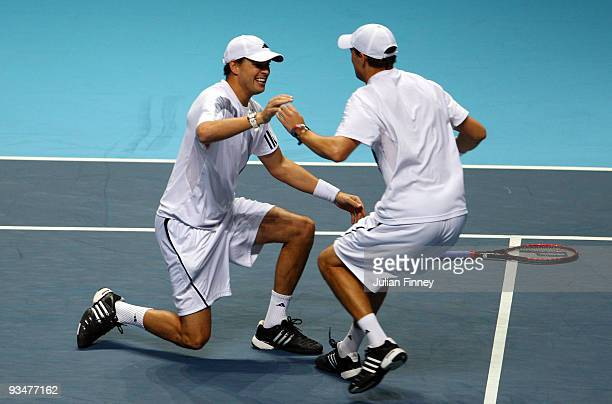 Bob Bryan of USA and Mike Bryan celebrate winning the men's doubles final match against Max Mirnyi of Belarus and Andy Ram of Israel during the...