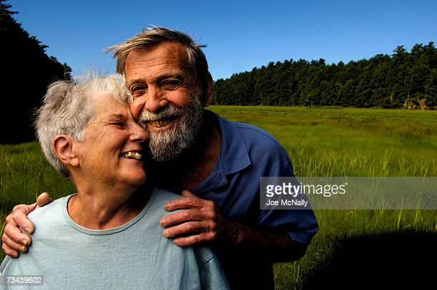 Bob Dale 81year old retired pilot poses with his wife Jean Parker on July 7 2006 in Brunswick Maine Dale owned and lived on a 40acre island for...