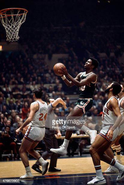 Bob Dandridge of Milwaukee Bucks goes in for a layup against the New York Knicks during an NBA basketball game at Madison Square Garden in the...