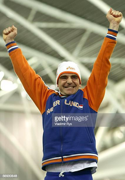 Bob de Jong of the Netherlands celebrates winning the Gold medal during the flower ceremony of the 10000 meter men's speed skating final during Day...