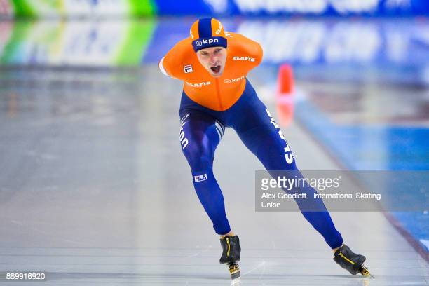 Bob de Vries of the Netherlands competes in the men's 5000 meter final during day 3 of the ISU World Cup Speed Skating event on December 10 2017 in...