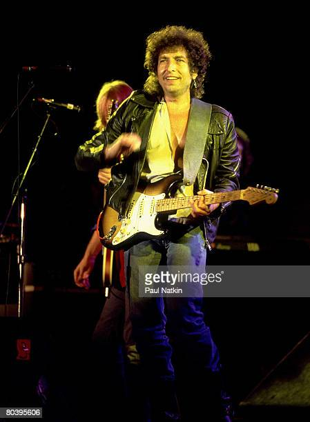 Bob Dylan at Farm Aid
