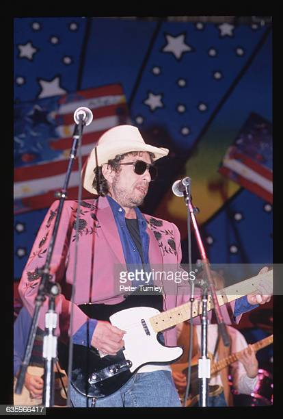 Bob Dylan plays at the Arkansas Blue Jean Bash a sendoff event for PresidentElect Clinton three days before his inauguration in 1993