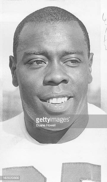 OCT 1 1963 OCT 2 1963 Bob Gaiters Halfback joins Broncos Spts file 5P Denver Broncos