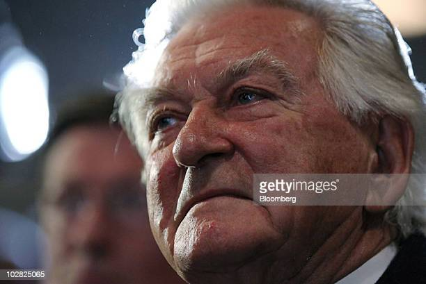 Bob Hawke former prime minister of Australia attends the launch of the book 'Hawke The Prime Minister' by Blanche d'Alpuget in Sydney Australia on...