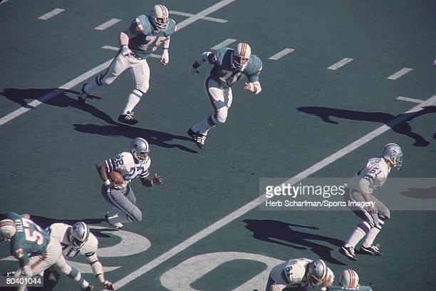 Bob Hayes of the Dallas Cowboys carries the ball during Super Bowl VI against the Miami Dolphins on January 16 1972 in New Orleans Louisiana
