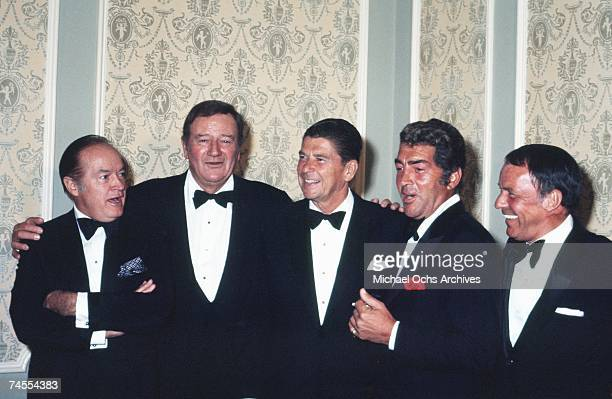 Bob Hope John Wayne Ronald Reagan Dean Martin and Frank Sinatra attend a party to benefit Reagan's gubernatorial campaign on 4 October 1970 in Los...