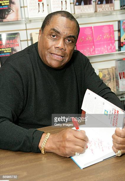 Bob Jones signs his book Michael Jackson The Man behind the Mask at Waldenbooks October 22 2005 in Los Angeles California