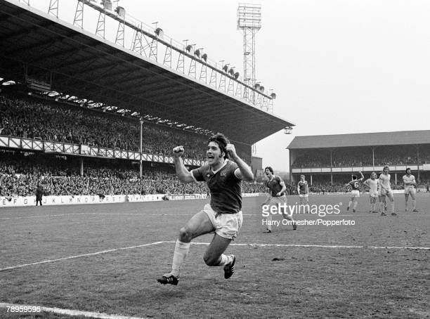 Football 29th April 1978 Goodison Park Everton Everton v Chelsea Everton's Bob Latchford celebrates a goal