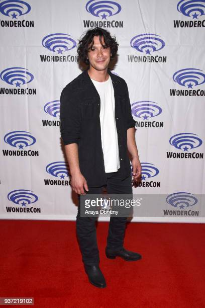 Bob Morley attends the 'The 100' press conference at WonderCon 2018 Day 1 at Anaheim Convention Center on March 23 2018 in Anaheim California
