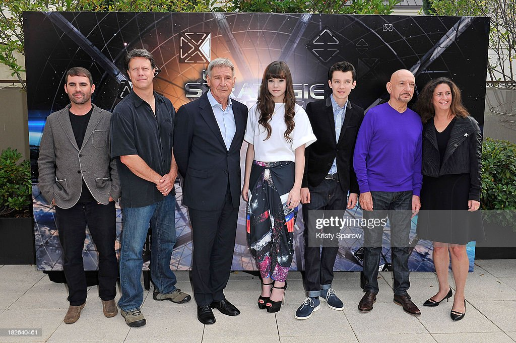'Ender's Game' : Photocall At Mandarin Hotel In Paris