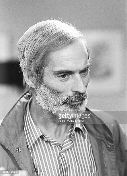 Bob Simon, CBS News correspondent, at Humana Wellington Hospital, London, England, upon release from forty days of captivity in Iraq. Image dated...