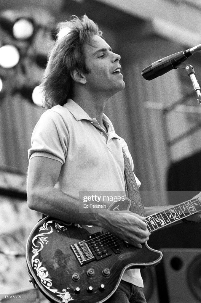 Bob Weir (Grateful Dead) live : News Photo