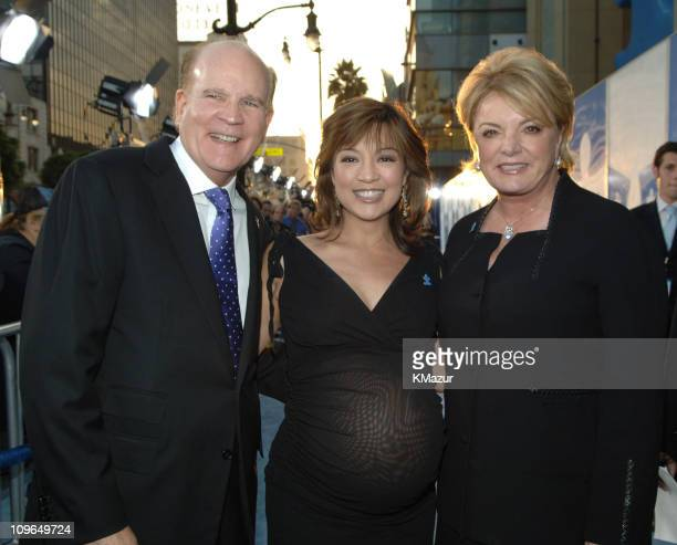 Bob Wright MingNa and Suzanne Wright during Jerry Seinfeld and Paul Simon Perform One Night Only A Concert For Autism Speaks at Kodak Theater in...