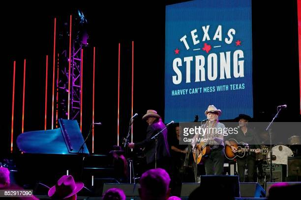 Bobbie Nelson Ray Benson Kevin Smith Willie Nelson and Charlie Sexton perform in concert during the Texas Strong Hurricane Harvey Can't Mess With...