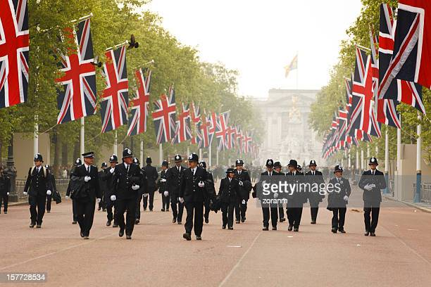 bobbies - london police - metropolitan police stock pictures, royalty-free photos & images