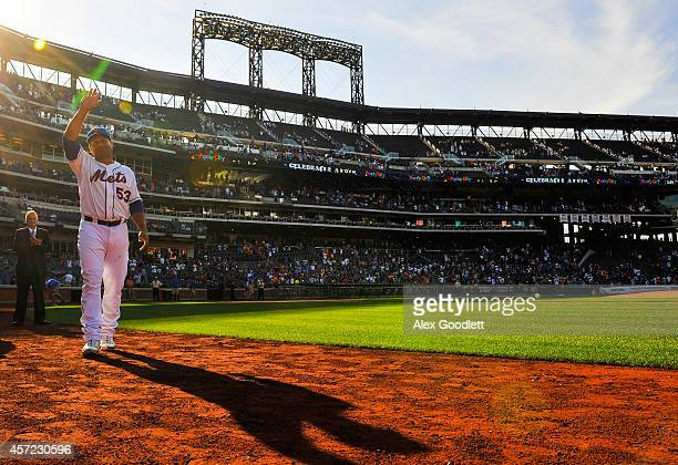 Bobby Abreu of the New York Mets waves to the crowd after playing the last game of his career against the Houston Astros at Citi Field on September...