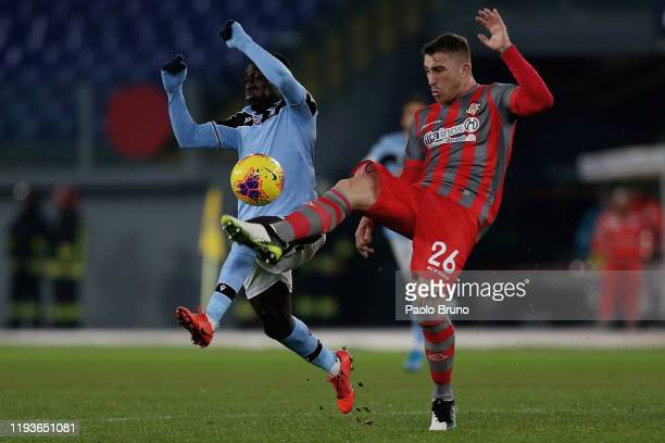 Bobby Adekayne of SS Lazio competes for the ball with Emanuele Terranova of US Cremonese during the Coppa Italia match between SS Lazio and US...