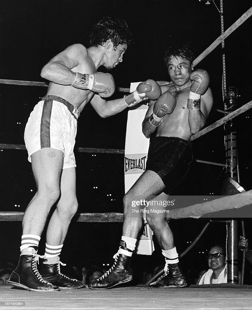 Bobby Chacon (L) throws a punch to Chucho Castillo during the fight at the Forum on April 28,1973 in Inglewood, California. Bobby Chacon won by a TKO 10.
