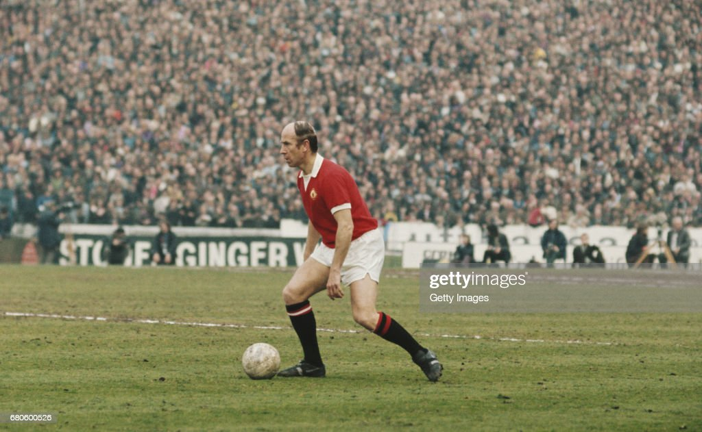 Bobby Charlton Chelsea v  Manchester United 1973 : News Photo