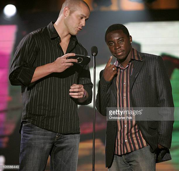 Bobby Crosby and Freddy Adu present the award for Best First Person Action Game to Halo 2
