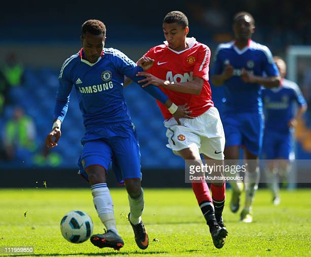 Bobby Devyne of Chelsea battles with Jesse Lingard of Manchester United during the FA Youth Cup Semi Final 1st Leg match between Chelsea and...