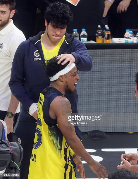 Bobby Dixon #35 of Fenerbahce Istanbul celebrate during the 2017 Final Four Istanbul Turkish Airlines EuroLeague Champion Trophy Ceremony at Sinan...