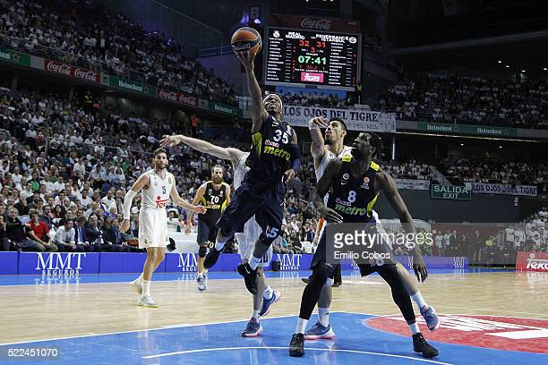 Bobby Dixon #35 of Fenerbahce Istanbul in action during the 20152016 Turkish Airlines Euroleague Basketball Playoffs Game 3 between Real Madrid v...