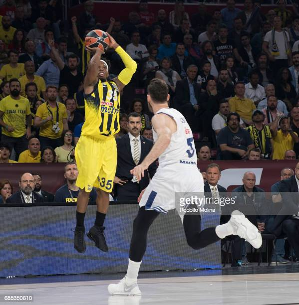 Bobby Dixon #35 of Fenerbahce Istanbul in action during the Turkish Airlines EuroLeague Final Four Semifinal A game between Fenerbahce Istanbul v...