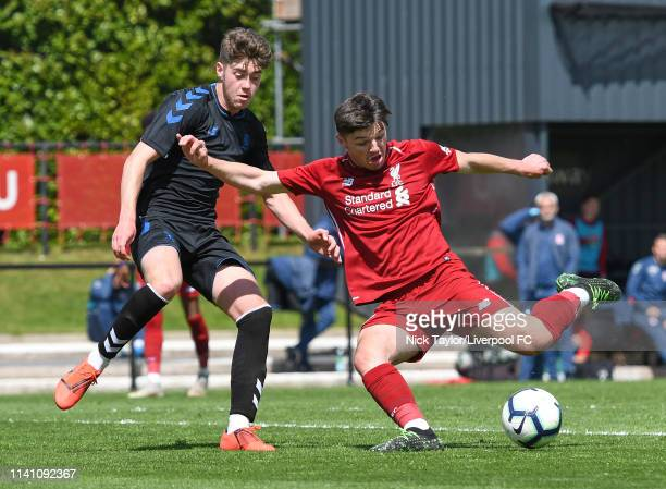 Bobby Duncan of Liverpool and Hayden Hackney of Middlesbrough in action during the U18 Premier League game at The Kirkby Academy on May 4 2019 in...